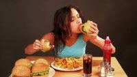 Tıkınırcasına Yeme Bozukluğu Nedir, Neden Olur, Tedavisi Var mıdır?